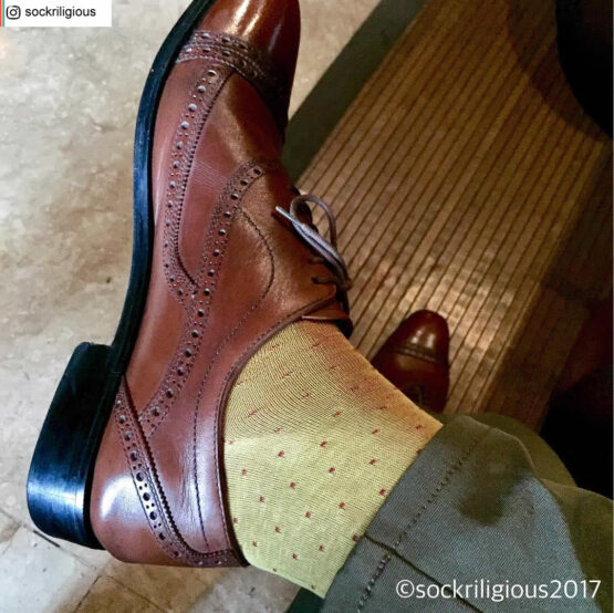 Viccel Socks - Yellow Red Pin dot Mid calf cotton socks where to buy direct sale from the socks producer at reasonable prices happy people, happy socks, chaussette fil d'ecosse Homme